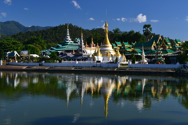 Mae Hong Son's pretty lake